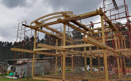 estructura de madera en obra